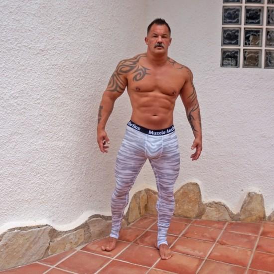Stirrup training tights